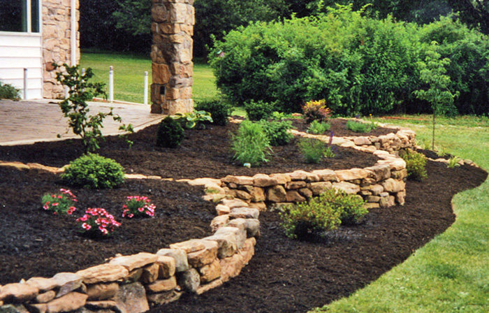 mulch landscaping tips that you will find helpful
