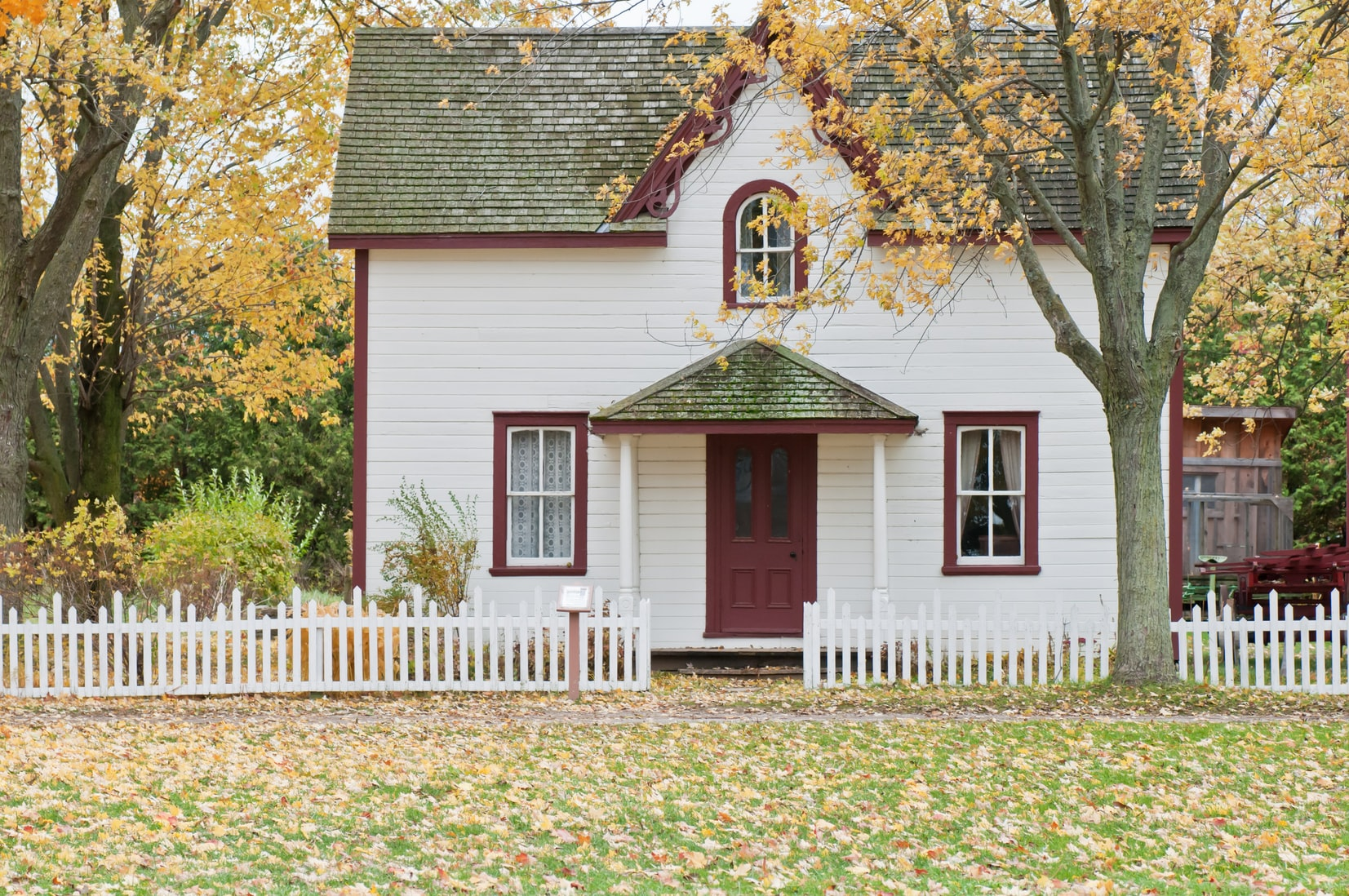 10 Things to Know Before Buying Your First Home
